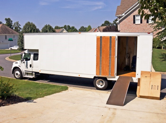 removal van with ramp
