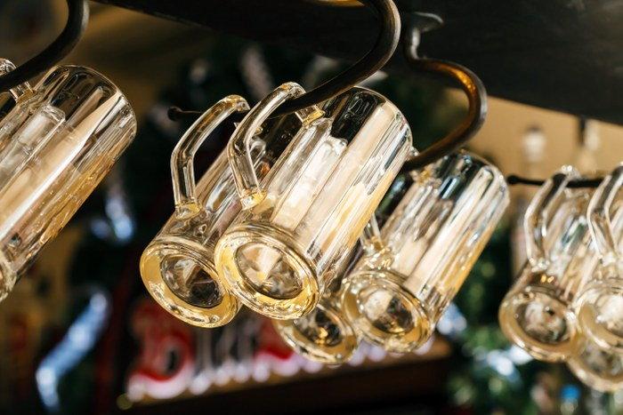 celebrate in the pub